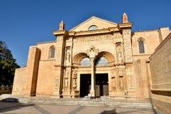 圣多明哥大教堂的正面图2  图库摄影