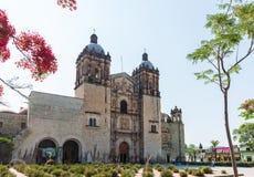 圣多明哥德古斯曼,一个巴洛克式的传教士大厦区教会在瓦哈卡,墨西哥 图库摄影