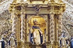 圣多明哥教会内部看法  图库摄影