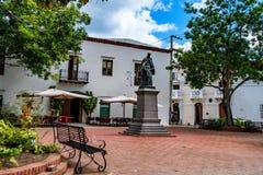 圣多明哥,多米尼加共和国, 2015年10月30日:唐弗朗西斯科Billini的纪念碑在圣多明哥 图库摄影