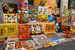 圣多明哥,多米尼加共和国 加勒比油漆在Calle el康德,销售作为纪念品 库存照片
