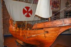 圣多明哥,多米尼加共和国 哥伦布`运输再生产 在克里斯托弗・哥伦布里面灯塔的博物馆  免版税库存照片