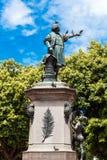 圣多明哥,多米尼加共和国- 2017年8月8日:纪念碑的看法对克里斯托弗・哥伦布的 复制文本的空间 垂直 免版税库存照片