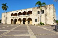 圣多明哥,多米尼加共和国 Alcazar de Colon (地亚哥哥伦布议院),西班牙正方形 免版税库存照片