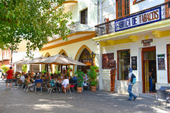 圣多明哥,多米尼加共和国 Calle el康德和殖民地区域街道生活和看法圣多明哥市 免版税库存照片