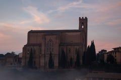 圣多梅尼科,锡耶纳,托斯卡纳,意大利大教堂Cateriniana或大教堂薄雾的 免版税库存图片