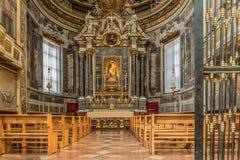 圣多梅尼科-念珠教堂大教堂在波隆纳 免版税库存照片