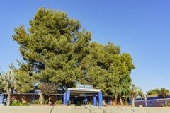 圣季马斯高中入口  免版税库存图片