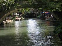 圣安东尼奥河步行桥梁 图库摄影