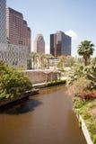 圣安东尼奥河流经得克萨斯城街市Riverwalk 图库摄影