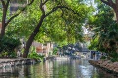 圣安东尼奥, TX/USA -大约2015年11月:河步行在圣安东尼奥,得克萨斯 免版税库存照片