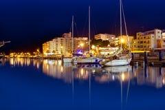 圣安东尼奥de Portmany在Ibiza的晚上端口 库存照片