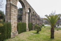 圣安东渡槽,普拉森西亚,卡塞里斯,西班牙 免版税库存图片