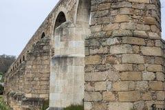圣安东渡槽,普拉森西亚,卡塞里斯,西班牙 免版税库存照片
