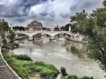 圣安吉洛城堡维托里奥Emanuele II桥梁 免版税库存照片