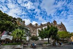 圣安娜(坎那利岛的圣洁大教堂大教堂大教堂)在拉斯帕尔马斯,从后面的看法 库存图片
