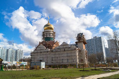 圣安德烈・鲁布烈夫大教堂的建筑在莫斯科市政区Ramenki 库存照片