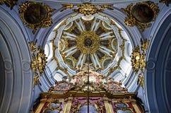 圣安德鲁的教会内部在基辅 图库摄影