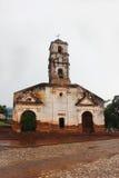 圣安那老被放弃的教会  多雨和多云天气 库存照片