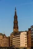 圣尼古拉斯哥特式复兴教会的外视图在Ha 库存照片