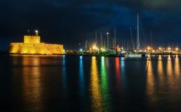 圣尼古拉斯堡垒在晚上 罗得斯 希腊 库存照片