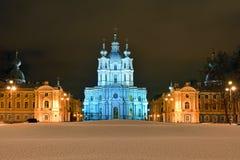 圣尼古拉斯大教堂在圣彼德堡在晚上 库存图片