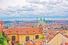 圣尼古拉斯教会全景在布拉格老镇 库存照片