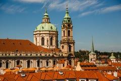 圣尼古拉斯教会在布拉格,捷克 库存图片