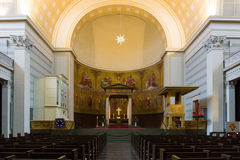 圣尼古拉斯教会的内部  免版税库存照片