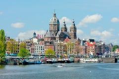 圣尼古拉斯教会的看法在阿姆斯特丹 免版税库存照片