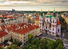 圣尼古拉斯教会,老镇中心在布拉格 免版税图库摄影