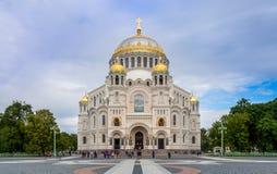 圣尼古拉海军大教堂看法在Kronstadt 免版税图库摄影