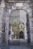 圣巴勃罗教会,位于在称` Capitulares `的街道,有大理石矫揉造作者样式盖子  库存照片