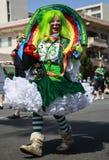 圣帕特里克的天游行的一个小丑 免版税库存照片