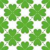 圣帕特里克的天设计-四片叶子三叶草无缝的样式 免版税库存图片