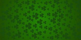 圣帕特里克` s与绿色四的天样式和树在绿色背景的叶子三叶草 也corel凹道例证向量 当事人 库存例证