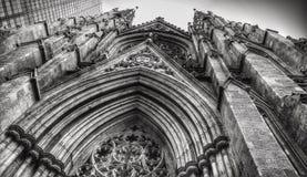 圣帕特里克` s大教堂- NYC前面  免版税库存照片