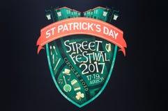 圣帕特里克` s天街道节日商标 库存图片