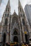 圣帕特里克` s Cathredral在曼哈顿 免版税图库摄影