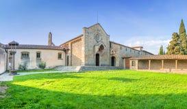 圣弗朗切斯科修道院菲耶索莱小山的在佛罗伦萨,意大利 库存照片