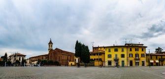 圣弗朗切斯科是教会在普拉托,托斯卡纳,意大利 免版税库存照片