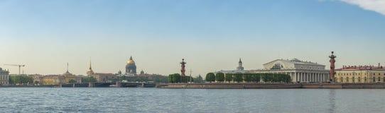 圣彼得堡俄罗斯市地平线全景 图库摄影