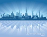 圣彼得堡俄罗斯市地平线剪影 库存例证