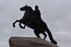 圣彼得堡古铜色御马者纪念碑彼得伟大 库存照片