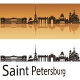 圣彼得堡地平线在橙色背景中 库存例证