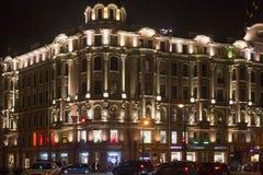 圣彼得堡,俄罗斯- 2014年11月03日:老大厦在晚上在中心圣彼得堡 库存照片