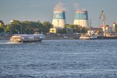 圣彼得堡,俄罗斯- 2018年6月02日:Pravoberez的看法 库存图片