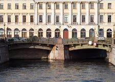 圣彼得堡,俄罗斯2016年9月10日:看诺沃Konyushenny桥梁在圣彼德堡,俄罗斯 库存图片