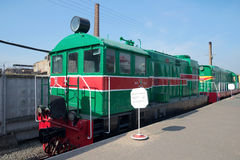 圣彼得堡,俄罗斯- 2016年3月30日:转轨内燃机车VME1的老匈牙利语在铁路运输博物馆  库存图片
