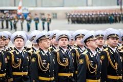 圣彼得堡,俄罗斯- 5月9 :军事胜利游行(在二战的胜利)在宫殿Squar的5月9日上每年花费 免版税库存图片